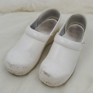 Dansko white leather shoes women size 39 c…